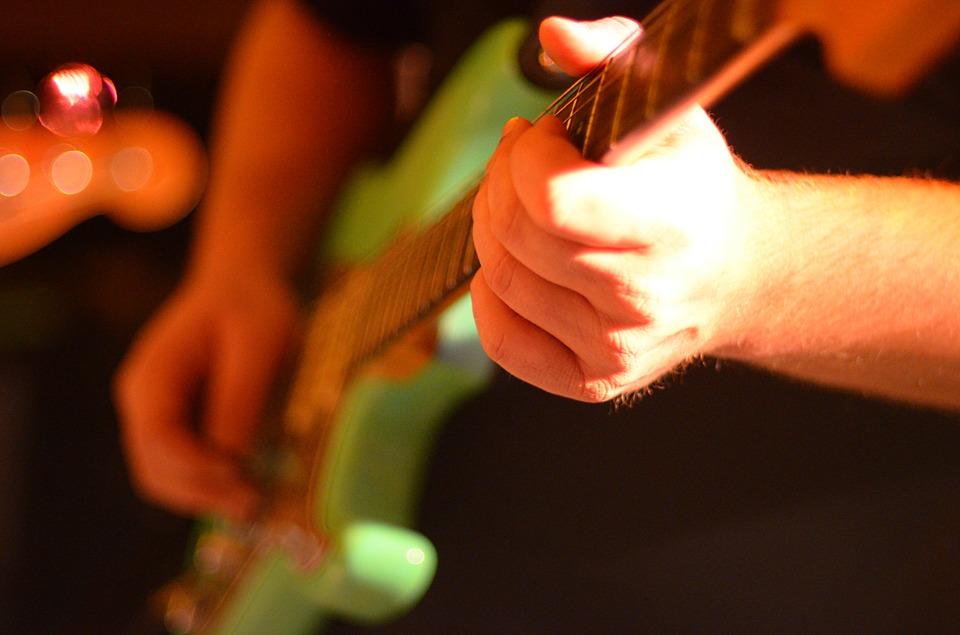 electric-guitar-566096_960_720